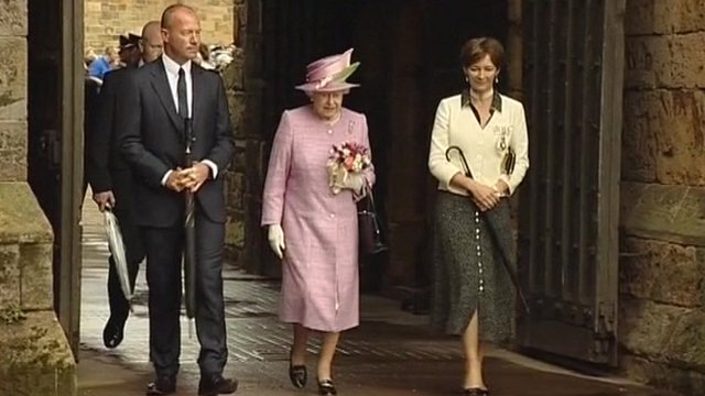 Alan Shearer with the Queen
