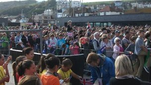 Crowds waiting in Hastings