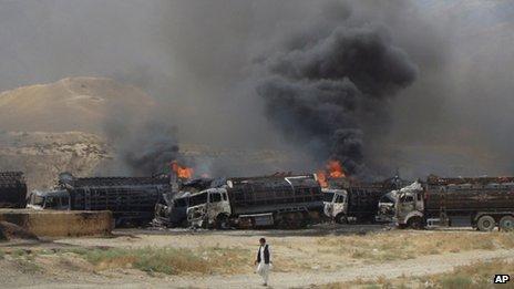 Afghanistan: Taliban bomb destroys 22 Nato fuel tankers