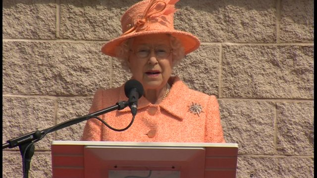 The Queen opening the second Tyne Tunnel