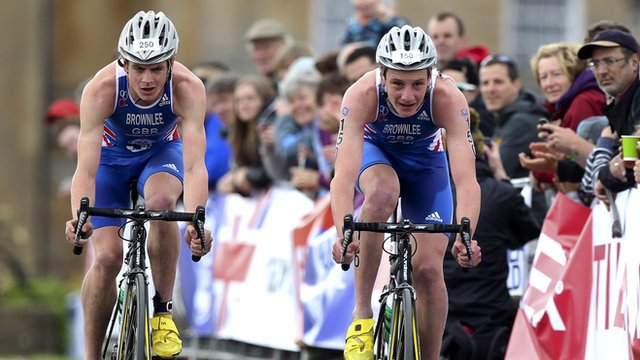 The Brownlee brothers in action