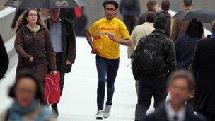 A DHL jogger