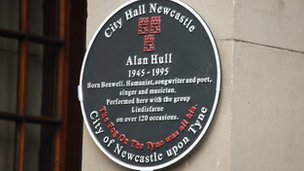 Alan Hull memorial plaque