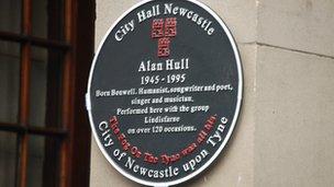 Alan Hull memorial plaque