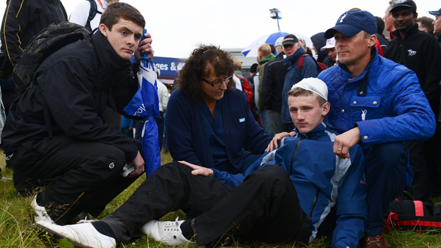 McIlroy's ball hits spectator at The Open
