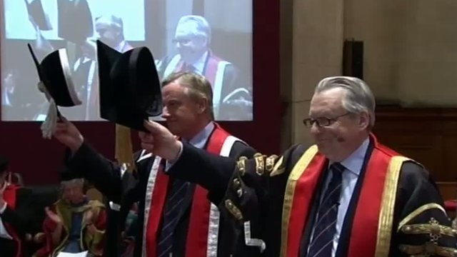 Lord Elis-Thomas at Bangor University's graduation ceremony