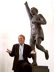 Denis Law and statue