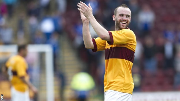 James McFadden plays for Motherwell in Stevie Hammell&#039;s testimonial against Everton