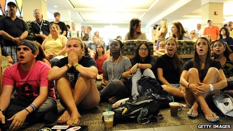 Penn State students watch the NCAA des liver sanctions against the university&#039;s celebrated football programme State College, Pennsylvania 23 July 2012