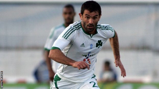 Giorgos Karagounis in action for Panathinaikos