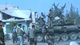 Unverified image apparently of rebels in Aleppo (23 Jul 2012)
