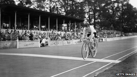Reg Harris winning heat eight of round two in the Men's Sprint at Herne Hill Velodrome during the Olympic Games, London, 07 August 1948