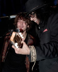 Singers Paulo Nutini and Sixto Rodriguez perform a duet