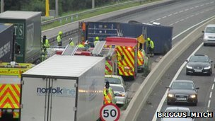 Incident on the M62 between junction 25 and 26 