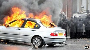 Car set on fire during Ardoyne riot