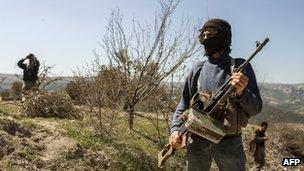 FSA fighters in Idlib (12 March 2012)