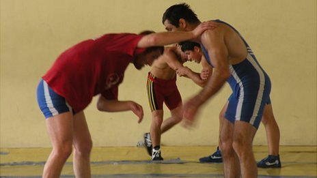 Otar Tushishvili (right) in training