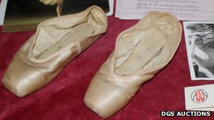 Dame Margot Fonteyn&#039;s ballet shoes