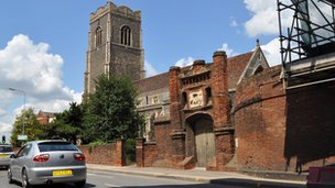 St Peter's Church and Wolsey's Gate, Ipswich