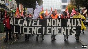 Workers strike against Alcatel Lucent in 2009