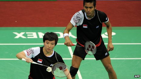 File photo: Indonesian badminton players Liliyana Natsir (L) and Tontowi Ahmad