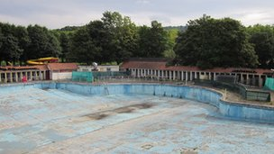 The lido in Ynysangharad Park