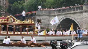 Olympic torch on Gloriana