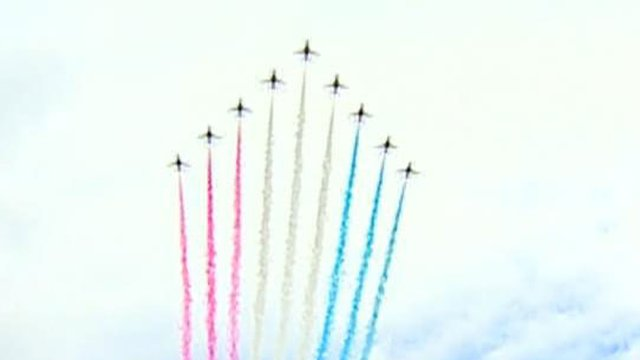 |Red Arrows fly-past