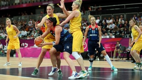 Great Britain's Julia Page in action against Australia's Lauren Jackson (right) and Suzy Batkovic