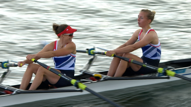 British pair win rowing heats