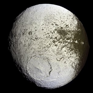 Iapetus Cassini Imaging Team / SSI / JPL / Esa / Nasa