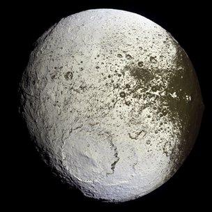 Iapetus Cassini Imaging Team / SSI / JPL / Esa / Nasa
