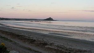 Marazion beach by Colin Ward