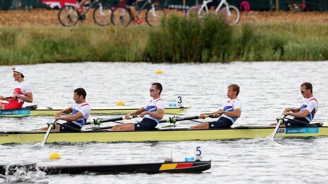 Men's Lightweight four in action