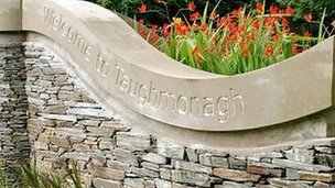 The name for Taughmonagh estatecomes from the Gaelic Tuath Monach