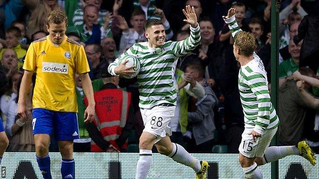 Gary Hooper celebrates with Kris Commons after scoring for Celtic against HJK Helsinki