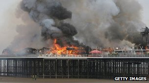 Fire at Weston pier in 2008