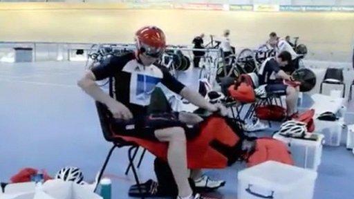 British cycling muscle warming pants
