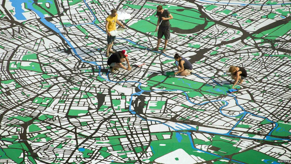 Artists make a giant city map of Berlin