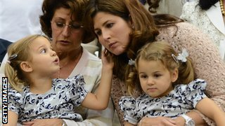 Mirka Federer and her twin girls