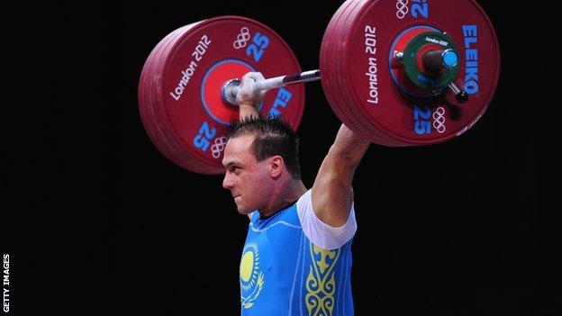 Ilya Ilyin wins gold