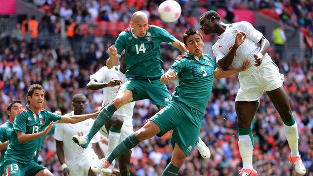 Senegal and Mexico in action