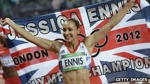 Britain&#039;s Jessica Ennis celebrates after winning the women&#039;s heptathlon 