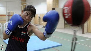 Mary Kom boxing