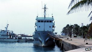 Chinese patrol boat docked at wharf in Sansha city on 27 July 2012