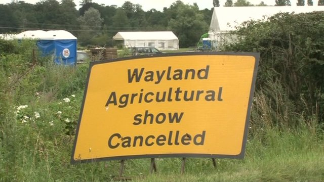 Show cancelled sign