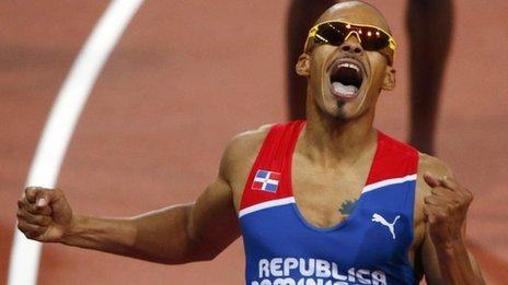 Felix Sanchez wins the 400m hurdles
