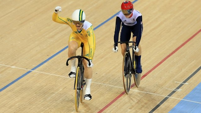 Anna Meares beats Victoria Pendleton