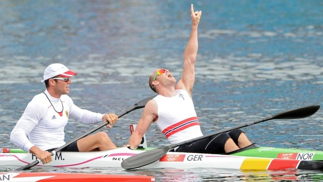 Norway&#039;s Larsen powers to kayak gold