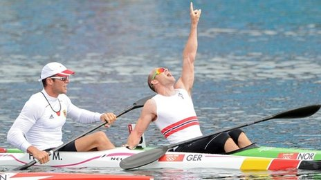 Norway's Larsen powers to kayak gold